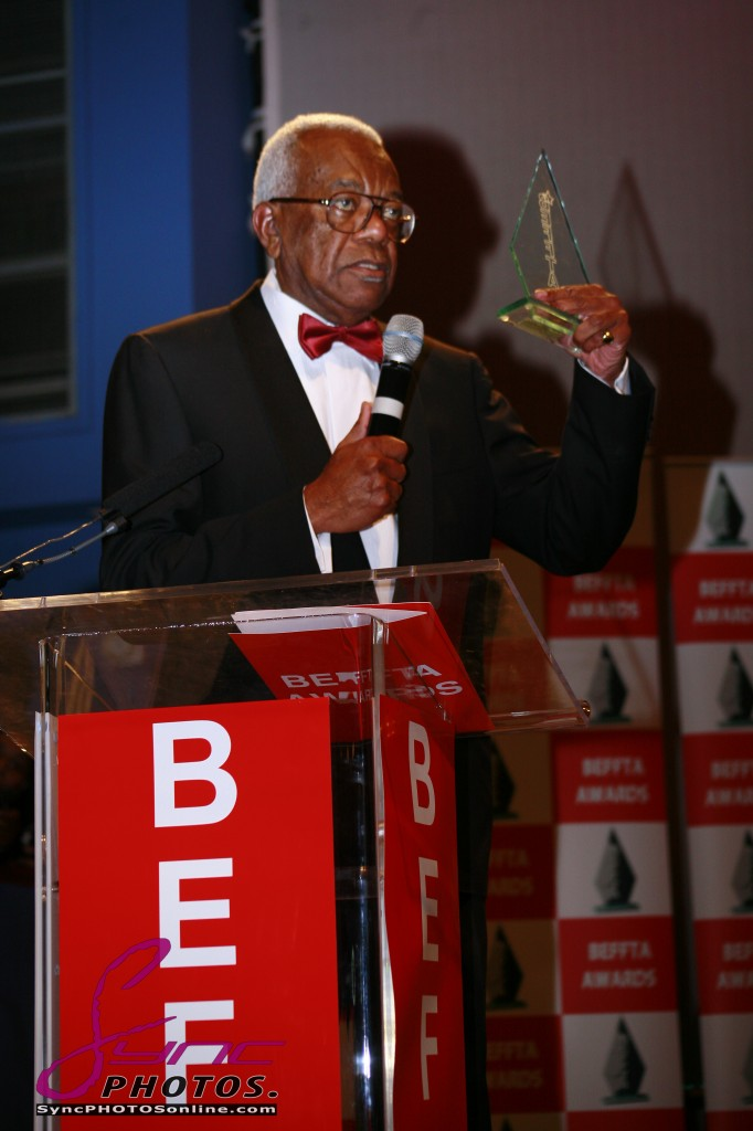 SIR TREVOR MCDONALD OBE DELIVERING HIS ACCEPTANCE SPEECH TO A JUBILANT AUDIENCE OF JUST OVER 3000